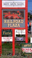 railroadplazasign1w.jpg (45094 bytes)